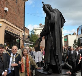 Unveiling Of The Geoffrey Chaucer Statue (12/10/2016) Featured Gallery Image