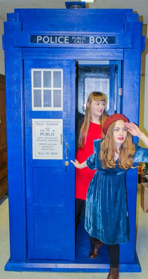 Marnie -Stanley -and -Ruby -Webb -with -the -Tardis -544x 1024.jpg